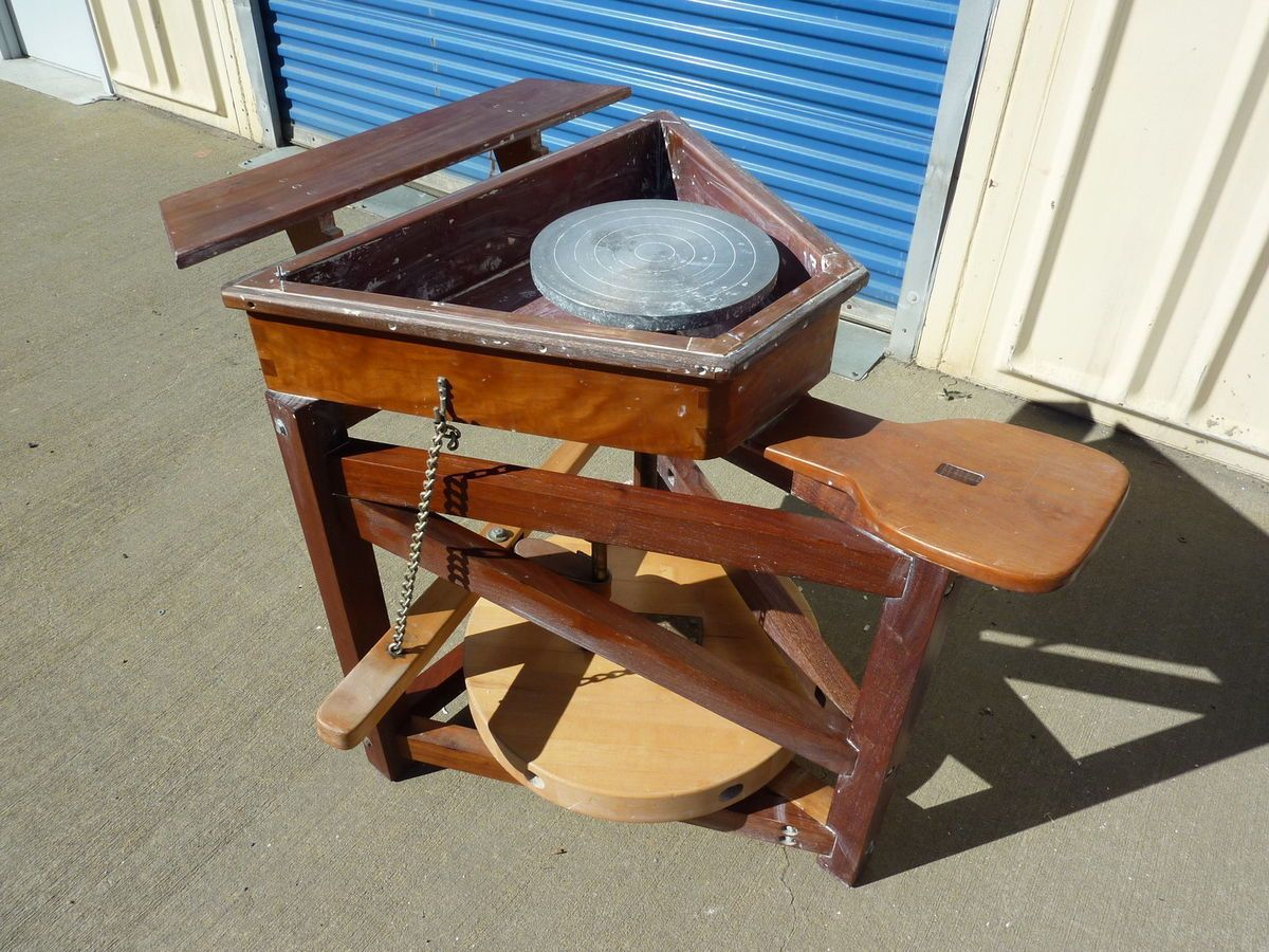 Manual pottery wheel for sale